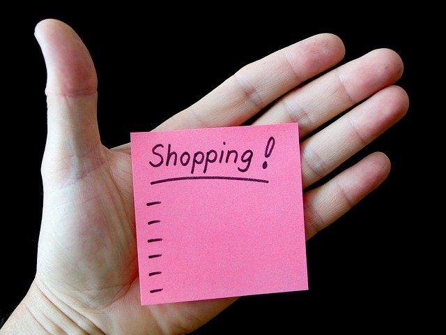 lístek s nákupním seznamem