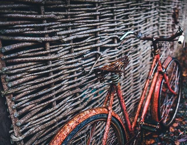 staré rustikální kolo