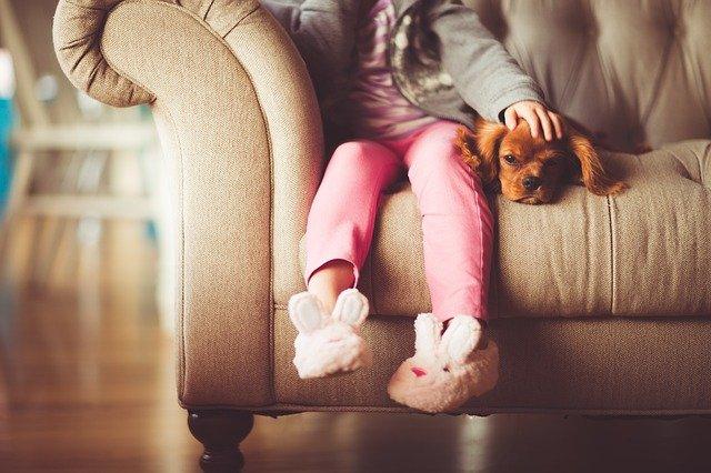 Děvče se psem