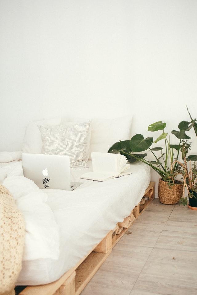 kvalitní postel